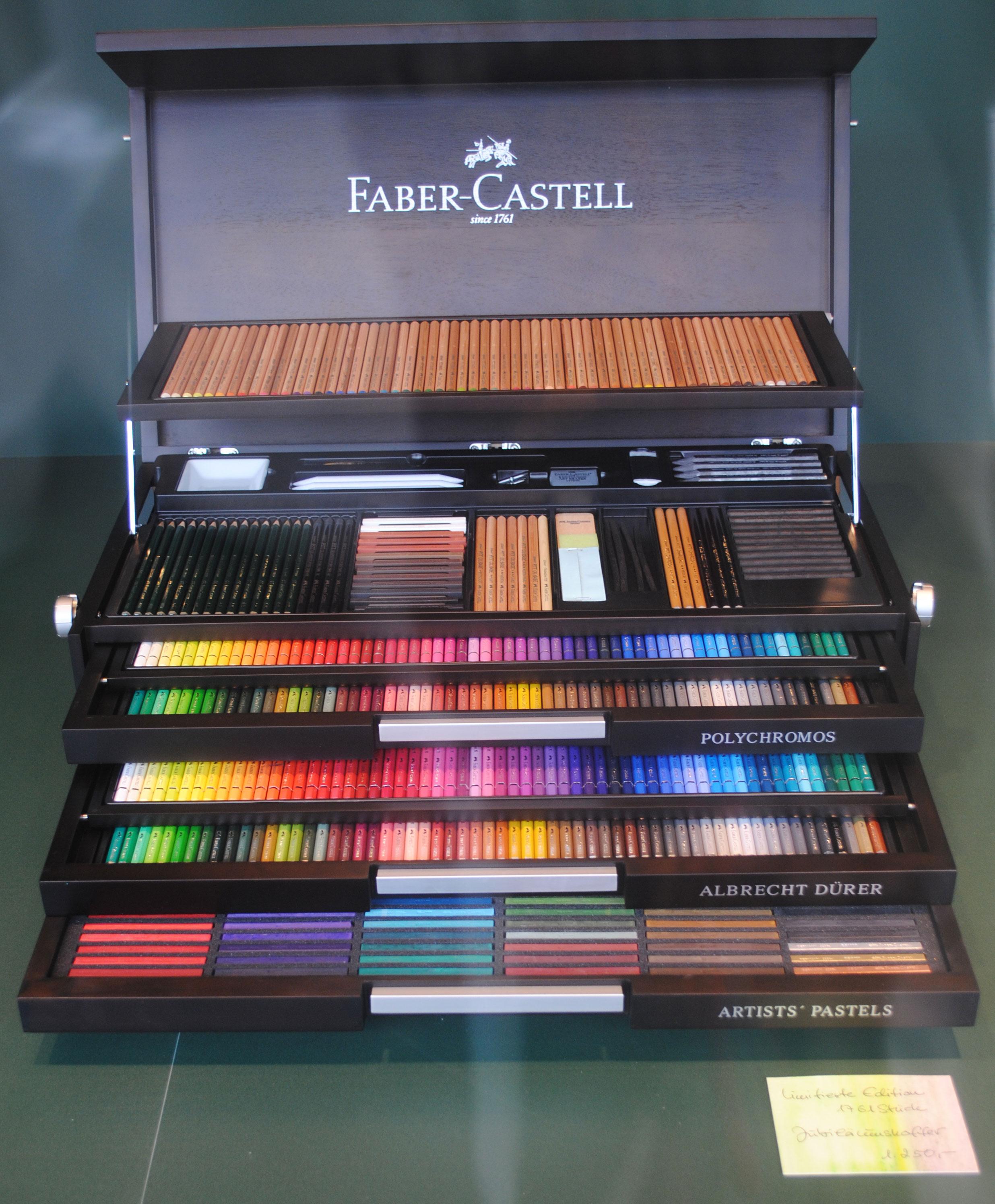 El Portafolio Del Arte Los Lápices De Colores